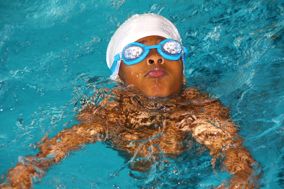 swimming-course-619088_960_720